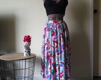 Gorgeous 80s white with geometric rainbow full mid calf skirt