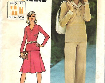 Simplicity 6498 Misses Jiffy Knit V-Neck Top, Flared Skirt And Pants Pattern, Size 10, UNCUT