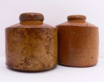 Two charming little ink bottles in glazed stoneware from aprox 1900 .