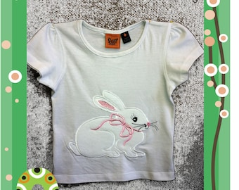 Bunny with Bow - Three sizes for the 8x12inch/200x300mm, 5x7inch/130x180mm and 4x4inch/100x100mm embroidery hoops.