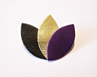 Brooch large model black leather, gold and purple petals
