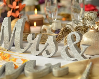GOLD Mr. & Mrs. letters wedding table decoration, freestanding GOLD Mr and Mrs signs for sweetheart table