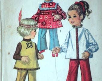 Vintage 60's Simplicity 8522 Sewing Pattern, Toddlers' Top And Bell-Bottom Pants, Size 2, 21 Breast, Retro 1970's