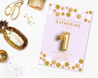 Invitación de cumpleaños para imprimir. Gold balloon. Golden and Lilac Birthday invitation.  Fiesta de cumpleaños 1 para niña. One.