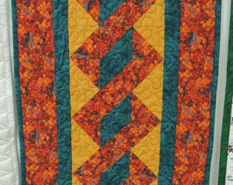 Twisted North Pole table runner Quilt. table topper fall winter 4696