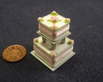 1/12th Scale Wedding Cake for Dolls House