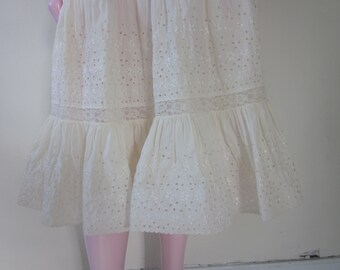 """1950s White Cotton Eyelet Lace Crinoline by """"Colony Club,"""" Size S - M"""