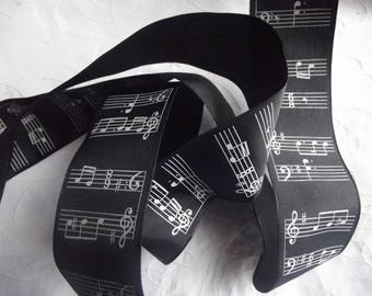 1 M 40 RIBBON TAFFETA BLACK/WHITE MUSICAL STAFF WEAPON