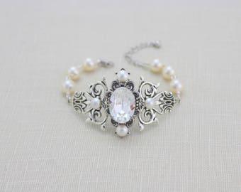 Bridal bracelet, Pearl Wedding bracelet, Cuff bracelet, Wedding jewelry, Swarovski crystal bracelet, Vintage bracelet, Art Deco bracelet