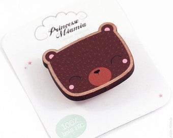Brown bear brooch