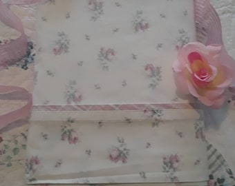 Vintage, Laura Ashley, Rosemoor, Cream, Roses, Pink and Mint Green Plaid, (Queen) Flat Sheet