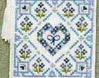 Forget-me-Knots Counted Cross Stitch Needlecase Kit. Hearts and Flowers. 14 count Aida, stranded cotton, needle, tassle and felt. Needlecase