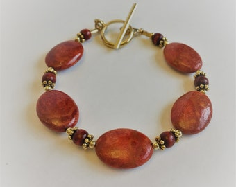 Apple Coral and Gold Beaded Bracelet