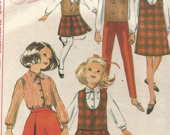 6111 Simplicity Sewing Pattern Girls Jumper Top Blouse Skirt Pants Size 6 24B Vintage 1960s
