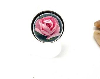 small globe ring cracked pink bark