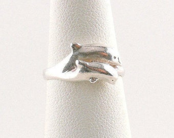 Size 5 Sterling Silver Double Dolphin Ring
