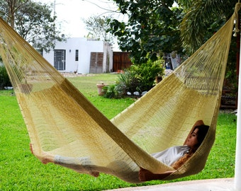 Traditional Mayan Hammock. 100% Natural-colored mayan hammock.