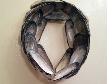 Oval Ventura Mussel Shell Wreath