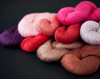 Linen thread skeins collection - Set of 9 linen skeins in brown, pink, red and purple colors