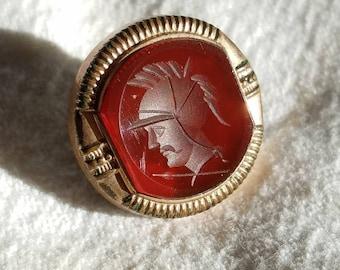 Collar Stud Parks Bros. & Rogers Providence, Rhode Island (1892-1930) Intaglio Gladiator Spartan