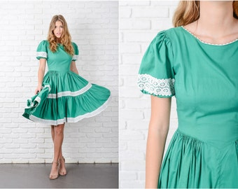 Vintage 60s Green Full Dress Lace Pleated Full Circle Sqaure Dance Puff Slv S 8722