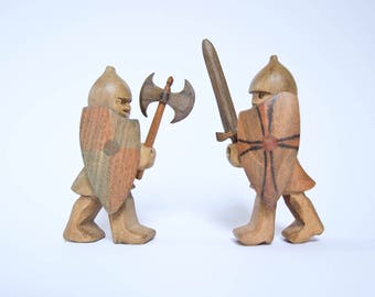 Wooden toy Foot soldiers