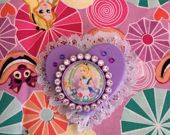 Kawaii Lace Disney's Alice in Wonderland Heart Hair Clip