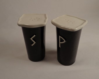 Salt and Pepper Shaker Set . Black Gloss