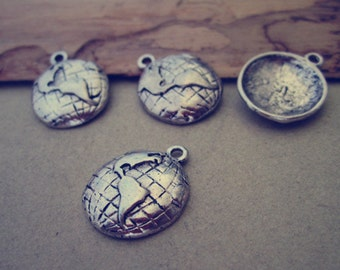 20pcs Antique silver earth pendant charm 15mm
