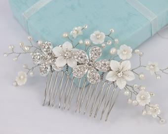 Annie-nacre fleur, perle d'eau douce et strass fleur peigne mariée