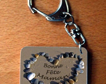 """Key heart photo of the message """"Happy mother's day"""" pebble for mother's day"""
