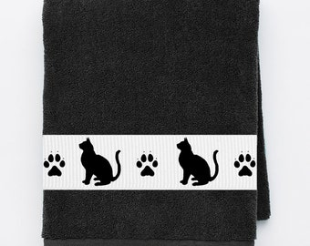 Kitty Cat Heavy Cotton Bath Towel -  Kitties and paws - Can be personalized with name!