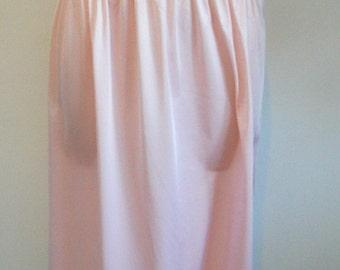 Vintage Pink Half Slip ~ 1970's Pink Petticoat ~ Pink Underskirt ~ Strawberry  Pink Silky Nylon Half Slip  ~ Lacy Slip ~ Vintage Pink Slip