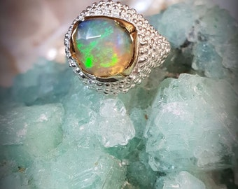 Pinky ring in Silver 9.25, 750 gold cast, natural opal