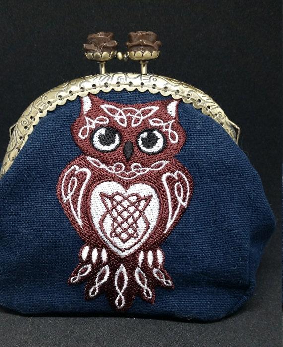 CP575.   Celtic owl design coin purse.