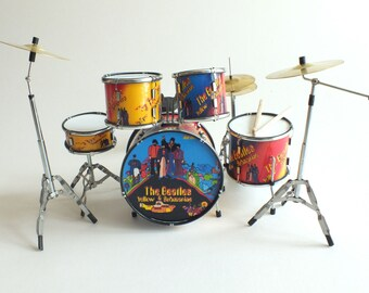 Ringo Starr THE BEATLS Yellow Submarine miniature drum kit