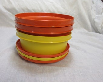 Set Of Three Tupperware Serving Bowls With Lids 1970,s
