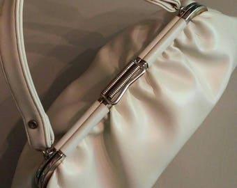 Vintage beige leather handbag  excellent condition