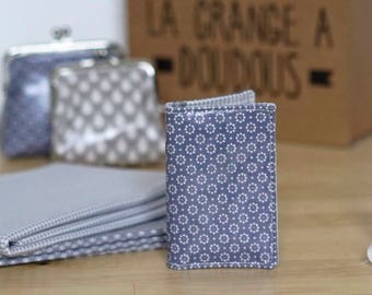 Icy blue card holder with white pattern