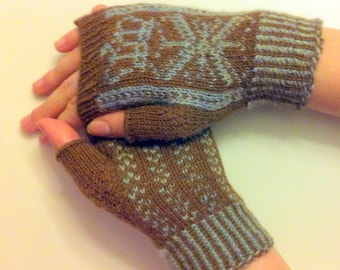 Fingerless Mitt Pattern - Queen Sonja December 2012 PhatFiber Feature