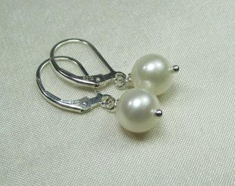 Real Pearl Earrings Bridesmaid Gift Bridesmaid Earrings Freshwater Pearl Earrings Single Pearl Bridal Earrings Bridesmaid Jewelry