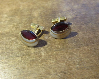Gorgeous 1930s Art Deco Red Glass and Gold Swank Cuff Links