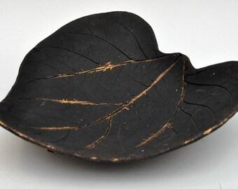 Large ceramic leaf platter