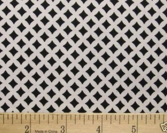 1 Yard Timeless Treasures Black and White Duet Quilt Fabric