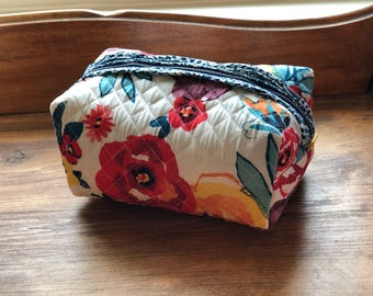 Pioneer Woman Quilted Blue Paisley Essentials/Zipper/Makeup Bag