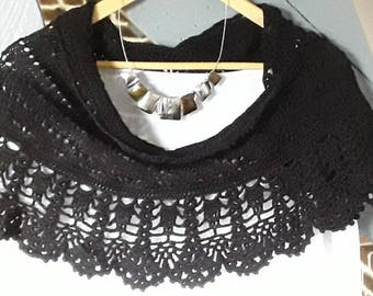 "Black shawl, lace, hand knitted, ""ar vein ruz Aod"" collection"