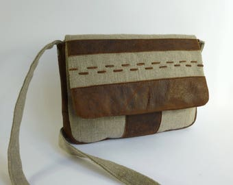 Shoulder bag in natural linen and brown leather