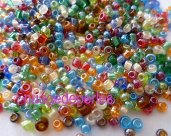 12 gr approximately 700 seed beads multicolor