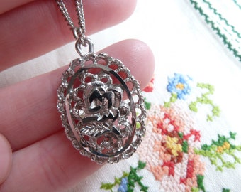Vintage Rose Necklace with Beauty & The Beast Feel 1950s 1960s Carnival Silver Tone Chain