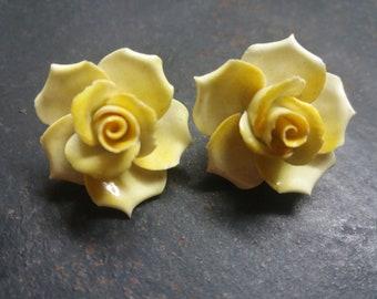 Vintage porcelain rose clip on earrings circa 1950's.